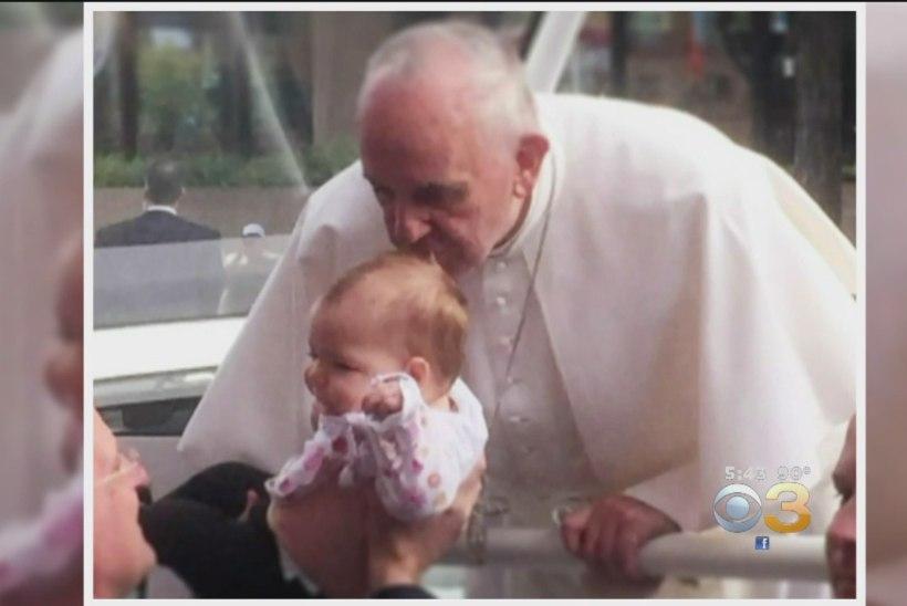 IME VÕI IKKAGI JUHUS? Paavsti suudlus võttis tüdrukult ajukasvaja