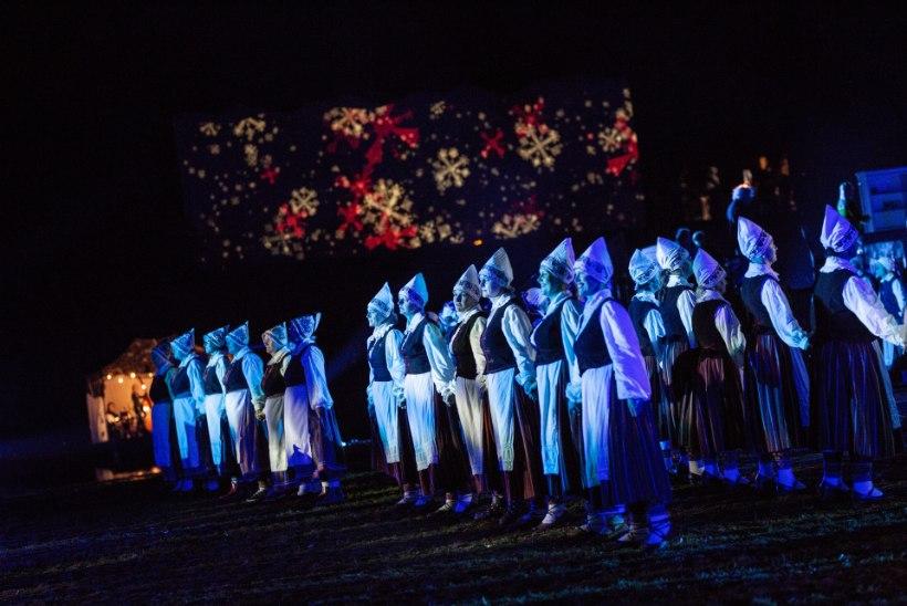 GALERII JA VIDEO | Võimas trall ja tulevärk! Pärnus joonistasid sajad tantsijad pimedal aasal mustreid