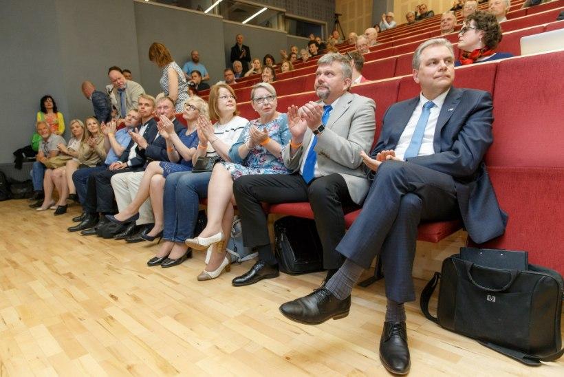 Sisevõitlus jätkub: vabaerakondlased koguvad allkirju erakorraliseks üldkoguks