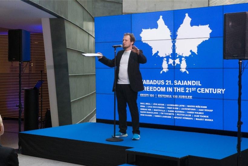 GALERII | Kunstnikud kinkisid Eesti riigile  21 vabadusest inspireeritud teost
