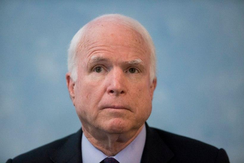 John McCain otsustas edasisest vähiravist loobuda