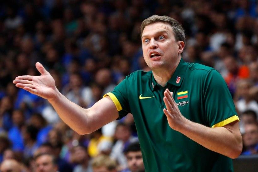 Leedu korvpallikoondis peab MM-valikmängudes läbi ajama põhitegijateta, peatreener püha viha täis