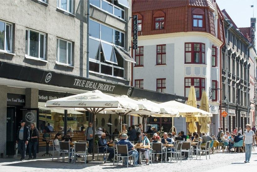 TÜHJAD PRÜGIKASTID: restoranide solginired lõhnastavad vanalinna tänavaid