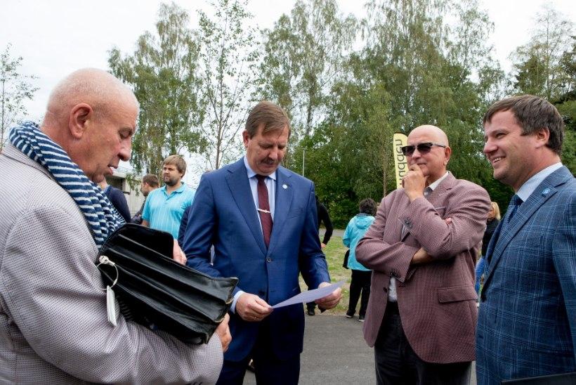 ÕL GALERII | Ammu avatud Haabersti ristmik sai lõpuks linnaisade õnnistuse