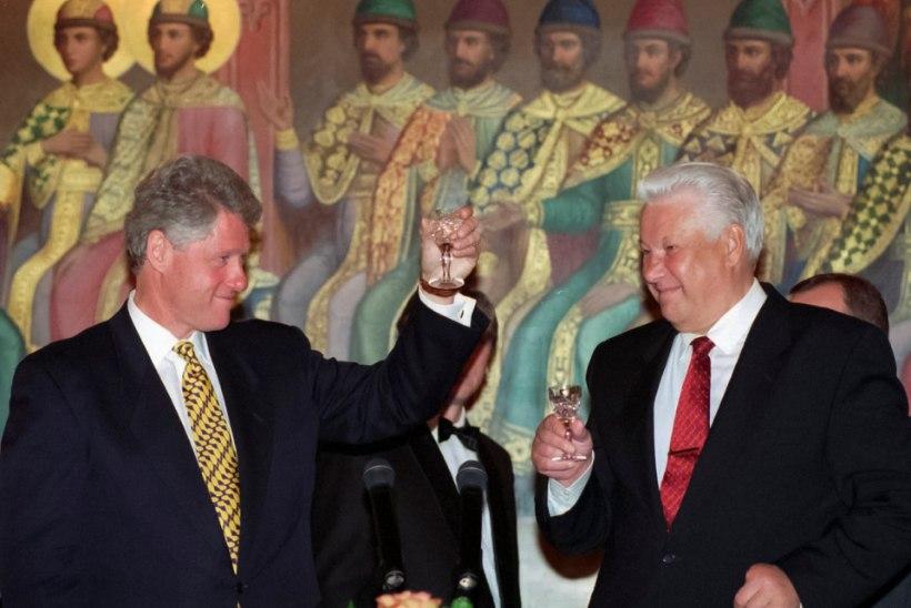 Jeltsin pakkus Clintonile salatehingut: Baltikum ei pea NATOsse saama