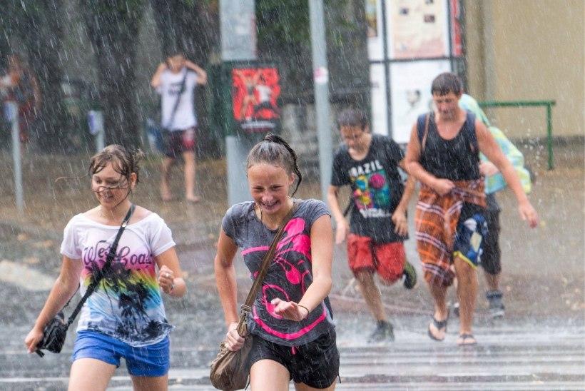 ILMAPROGNOOS: nädalavahetus kulgeb vihmahoogude seltsis