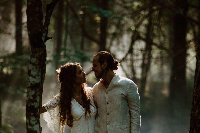 FOTOD | Armastus on imeline: äsja abiellunud Angeelia ja Mick Pedaja jagavad kauneid kaadreid elu tähtsaimast päevast