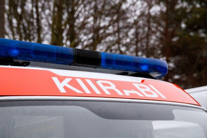Jüri ringteel rullus auto üle katuse, vigastada sai viis inimest
