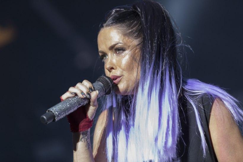 Ansambli Aqua lauljatar sattus avariisse