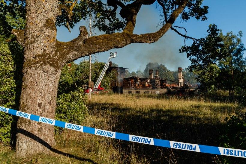 FOTOD JA VIDEO | Kurna mõisa põlengu võis põhjustada väike poiss