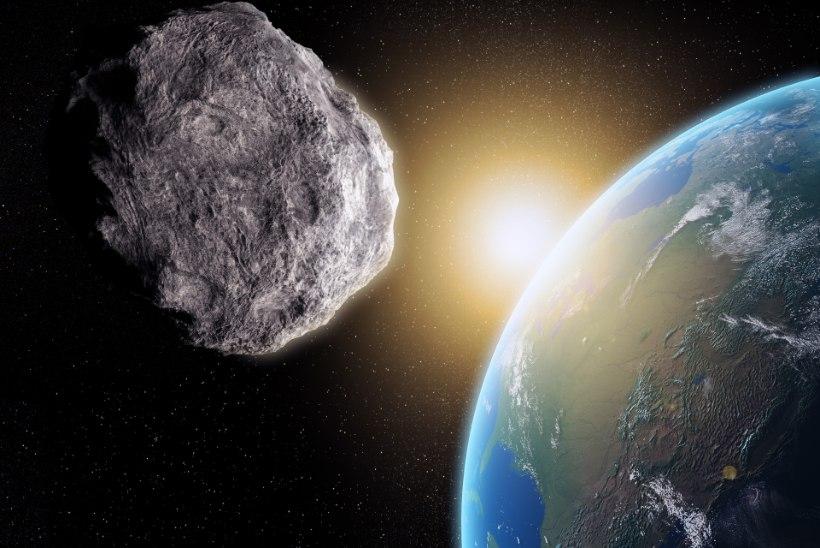Maa atmosfääris plahvatas majasuurune meteoor