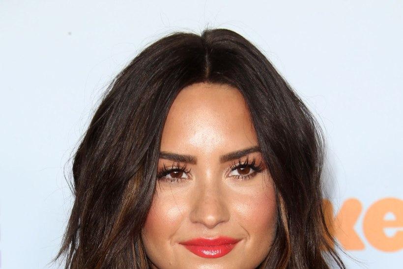 Üledoosi saanud Demi Lovato suundus võõrutusravile