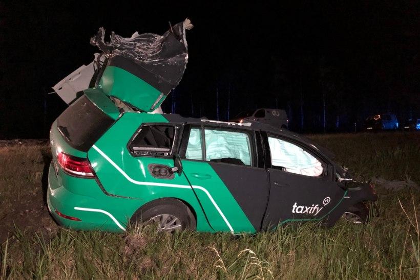 Veoautoga kokku põrganud Taxify juht võis roolis tegelda kõrvaliste asjadega