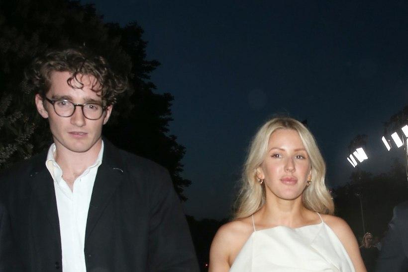 Ellie Goulding teatas The Timesis oma kihlumisest