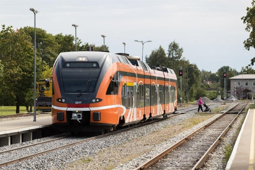 USKUMATU LUGU: rongijuht märkas rööbastel jooksmas väikelast ning päästis ta elu