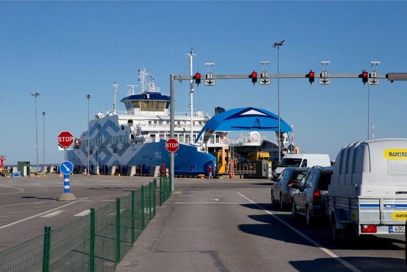Praamiühenduse koormus Saaremaa liinil ületab jaanipühade aegset