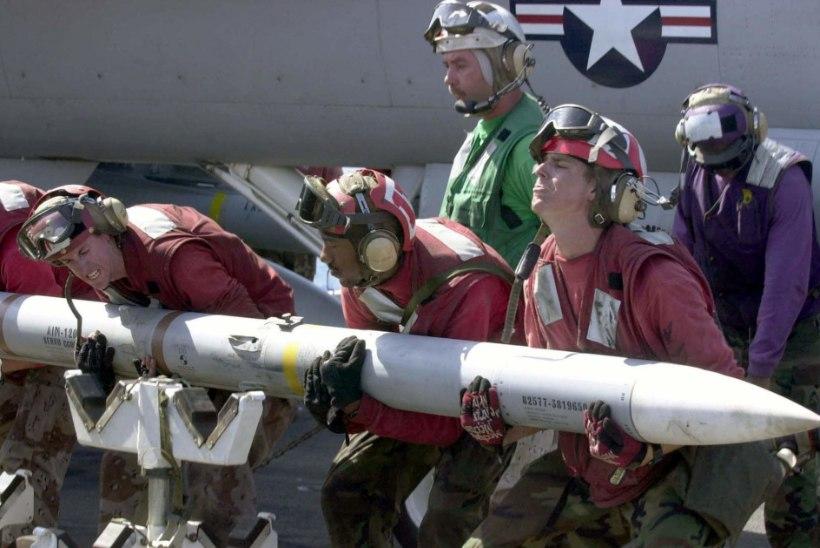 AIM-120 AMRAAM – sadu tuhandeid maksev tapariist