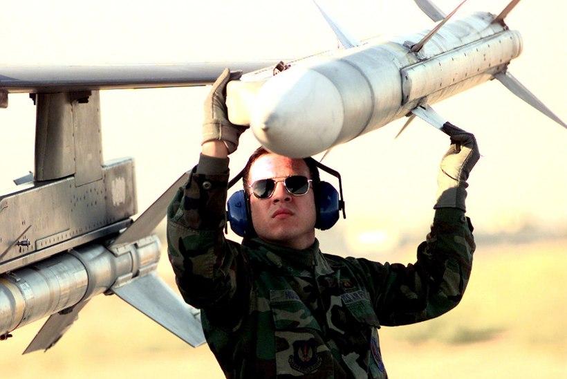 VIDEO | Endine hävituslendur nimetas võimalikud raketi vallandumise versioonid