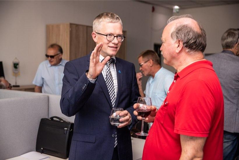 GALERII | Keskerakond avas Narva maanteel uue büroo