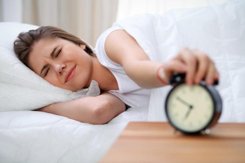 SILMAD TAHAVAD KINNI VAJUDA? See väike test näitab, kui väsinud sa tegelikut oled!