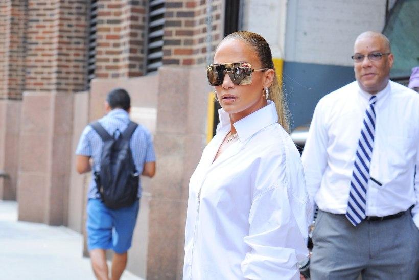 Internet hullub Jennifer Lopezi saabaste peale! Ženja Fokin: mis neil viga on, et nendega ei saa kontorisse minna?