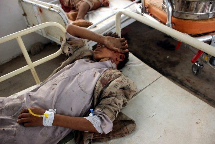 29 HUKKUNUD LAST: saudid korraldasid Jeemenis lapsi vedanud bussile õhurünnaku