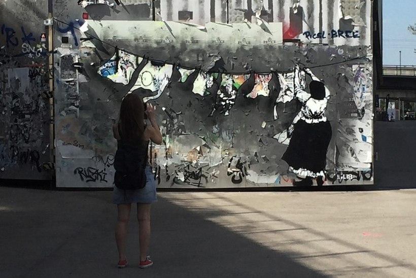 Eesti salapärane tänavakunstnik Edward von Lõngus sattus Viinis politsei huviorbiiti
