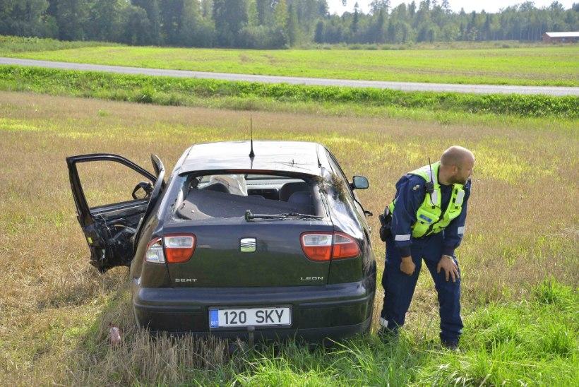 FOTOD JA VIDEO   Viljandimaal sai kahe auto kokkupõrkes inimene vigastada