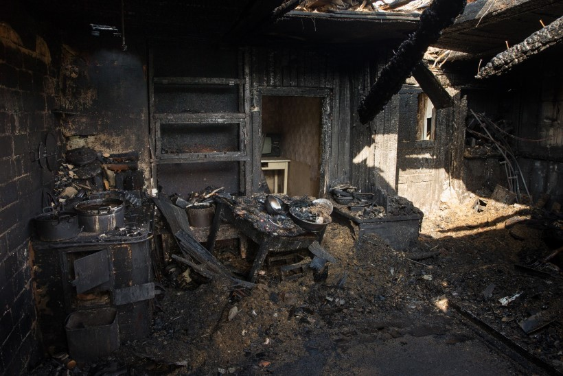 FOTOD   Tartumaal maha põlenud maja rusudest leiti teine hukkunu