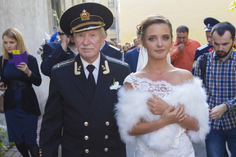 Vene filmitaat leidis pärast abielu purunemist uue seksika kallima