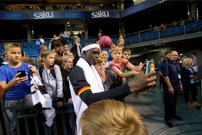 REPORTAAŽ | Kuidas peapaelaga pallivõlur killukese NBAd Eestisse tõi