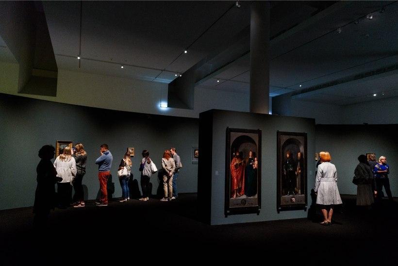 GALERII JA VIDEO | Inimesed seisid tunde KUMUs järjekorras, et Michel Sittowi näitusele pääseda
