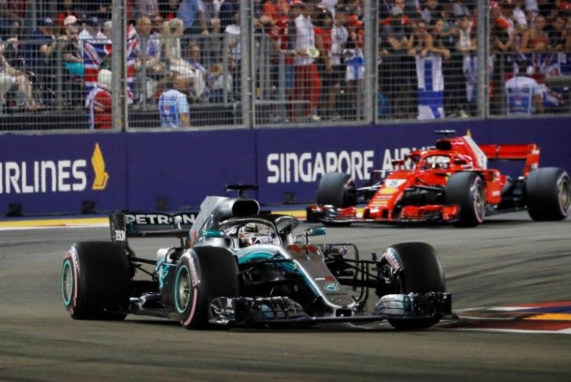 Vääramatult esikohal kihutanud Hamilton kasvatas taktikaga puusse pannud Vetteli ees edu veelgi