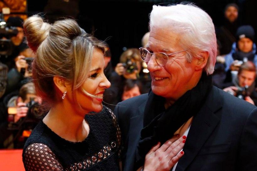 Richard Gere'i naine sai lapseootusele dalai-laama õnnistuse
