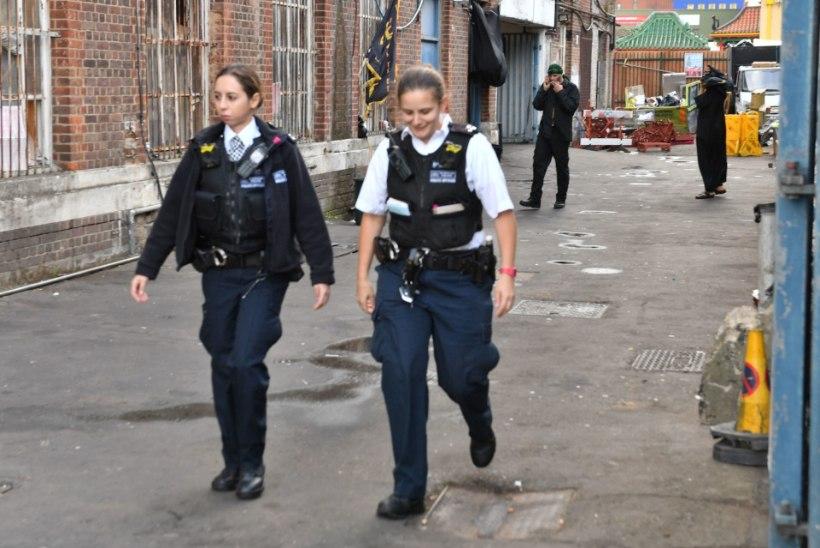 Vihakuritegu Londonis: mošee lähistel sõitis auto rahva sekka, viga sai kolm inimest