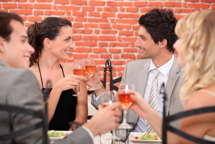 KÜLAELANIKUD PAHASED: ülbed restoraniomanikud ja einestajad rikuvad külaelu ära!