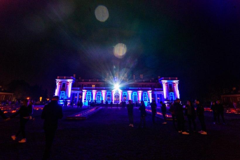 LUMMAVAD PILDID | Kadrioru pargis algas festival Valgus Kõnnib