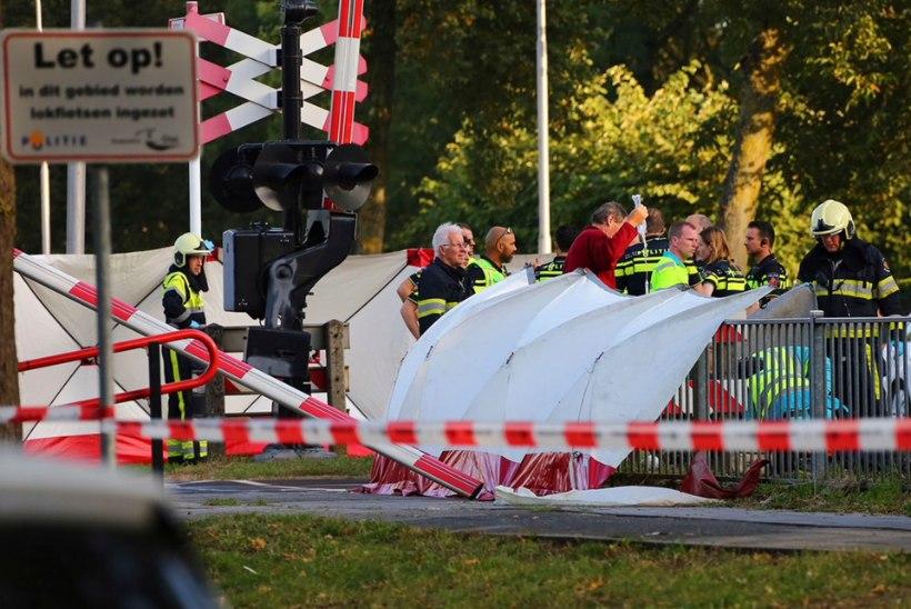 Tragöödia Hollandis: elektriratta ja rongi kokkupõrkes hukkus neli last