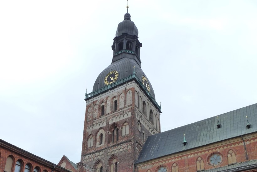 ÕL VIDEO |Lipuehtes Riia: Läti on valmis tervitama paavst Franciscust