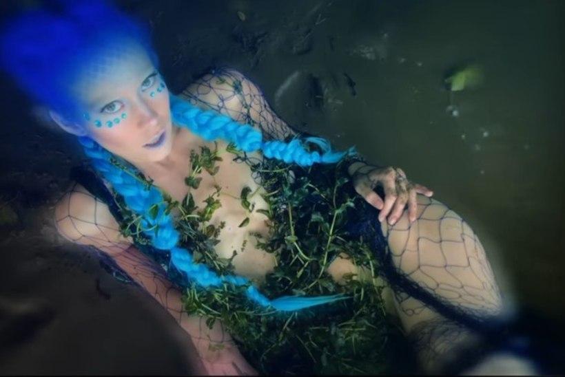 VIDEO | Lepatriinu avaldas äsjailmunud plaadi nimiloole metshaldjaliku muusikavideo