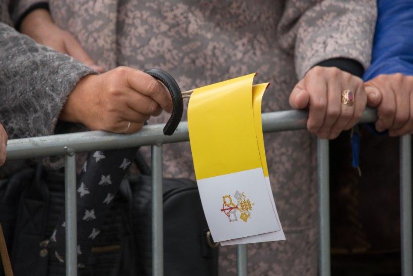 Paavsti külaskäik Lätis: riialased nautisid vaba päeva ega tõtanud püha isa tervitama