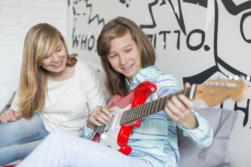 MUUSIKAPSÜHHOLOOG: lastele on eriti kasulikud laulmine ja pillimäng
