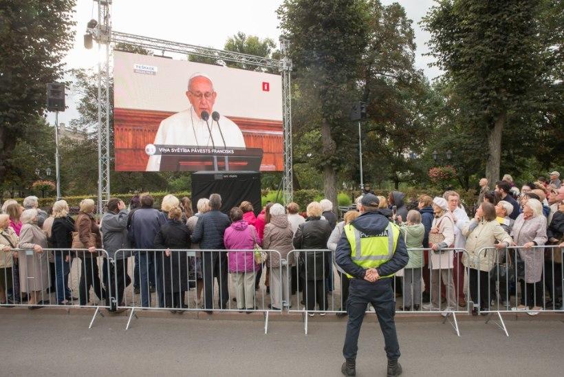 Paavsti tõlk: tema Eestis peetavad kõned on väga-väga ilusad!
