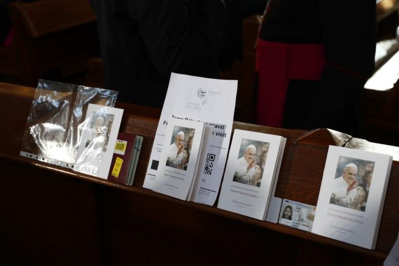 GALERII | Paavst pani Kaarli kirikusse kogunenud noored rõõmust rõkkama