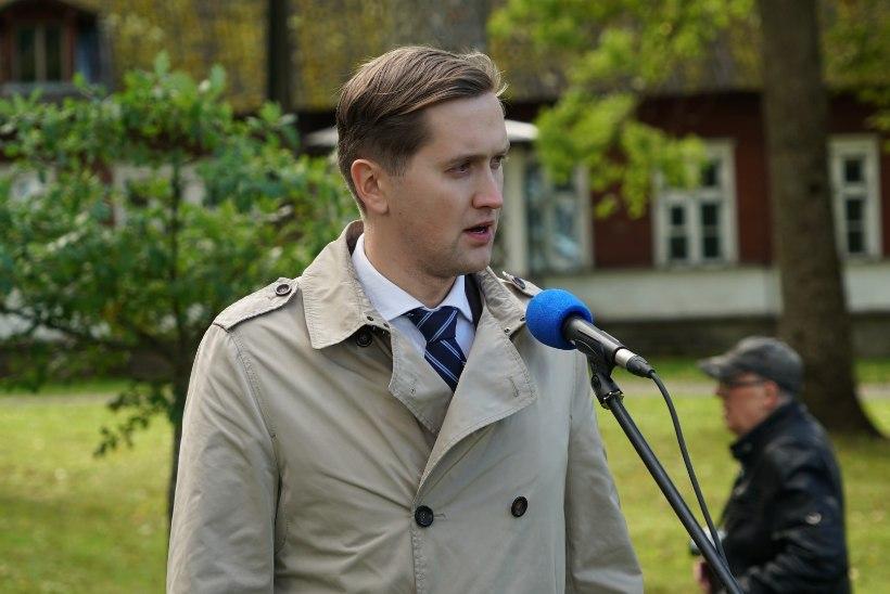 FOTOD   Artur Sirgule püstitati Järvamaale mälestussammas