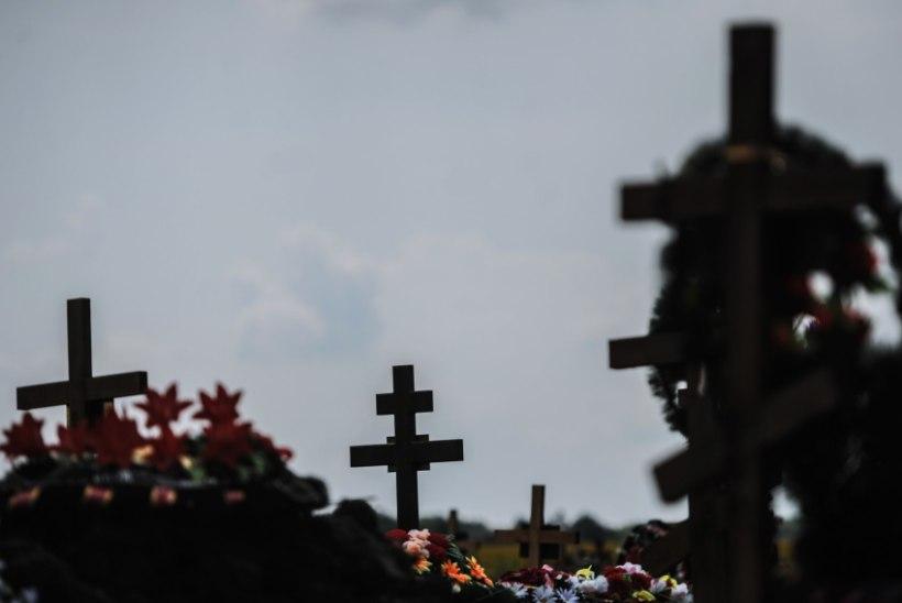 Venemaal püsitas isa oma tütre hauale mälestuskivi, mis näeb välja kui iPhone