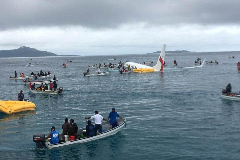 FOTOD | Mikroneesias kukkus alla reisilennuk