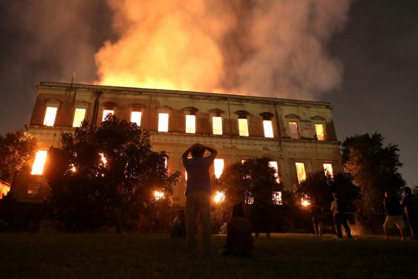 GALERII JA VIDEO    Brasiilias põles 200 aasta vanune rahvusmuuseum
