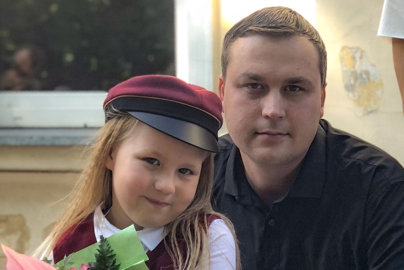 Jaanus Saksa tütar astus esimesse klassi: loodan, et ma ei pea hakkama iga päev koolis käima