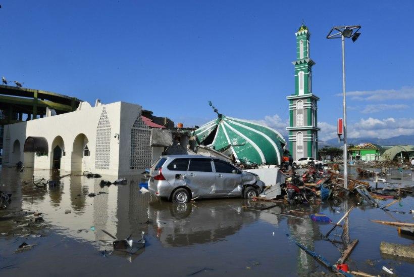 Indoneesiat rünnanud tsunami võis nõuda tuhandeid ohvreid